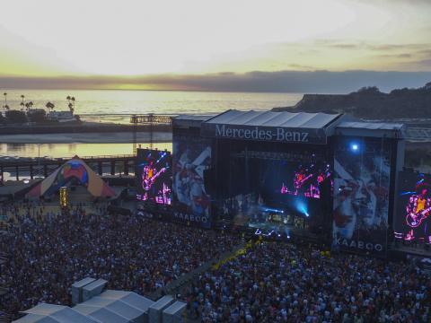 サンディエゴの KAABOO フェスティバルのオーシャンフロントの会場