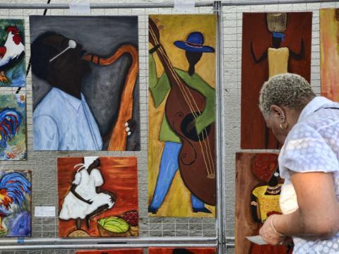 マジック・シティ・アート・コネクションで販売される絵画