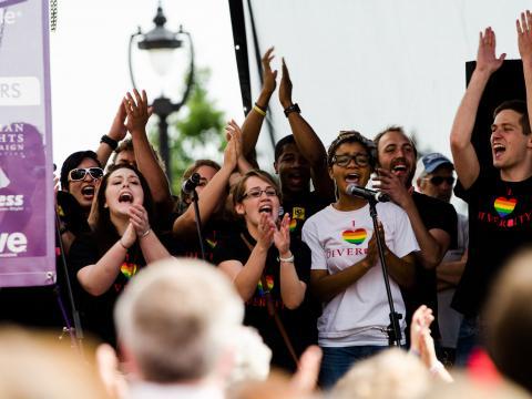 多様性を祝して開催されるノースカロライナ州のアウト!ローリー・プライド