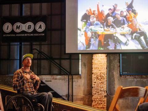 ベントンビルで開催されるアーカンソー・バイク・サミットのセッションの登壇者